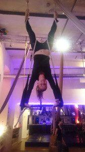 Aerial Trapez Handstand